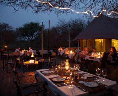 Restaurant, Bar & Pool